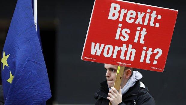 May: Brexit uzun süreli ertelenebilir