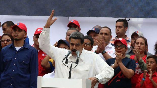 Venezuela diplomatik misyonlarını muhalefete veren ABD'ye tepki verdi