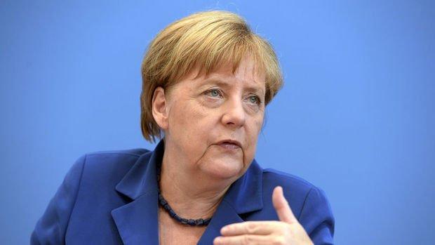 Merkel: Düzenli Brexit için mücadele edeceğim
