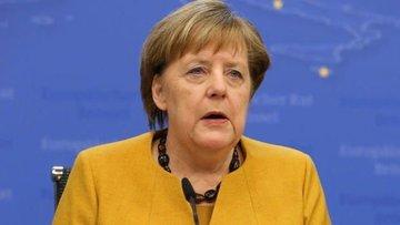 Merkel: Alman ekonomisi sert bir Brexit için iyi hazırlan...