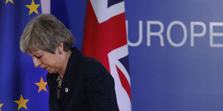 May, Brexit anlaşmasının onaylanırsa istifaya hazır olduğunu açıkladı