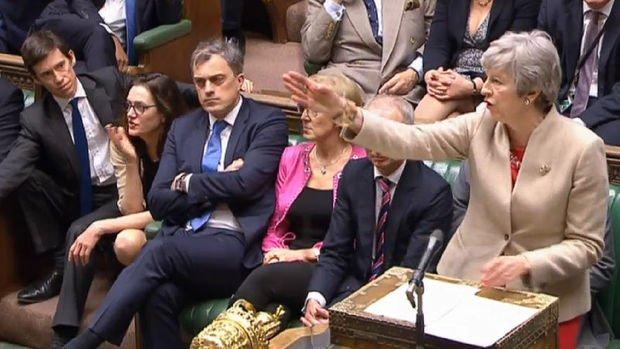 İngiltere parlamentosu ikinci turda dört seçeneği de reddetti