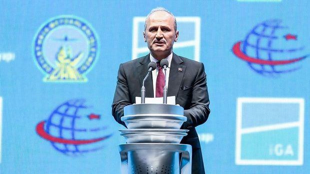Turhan: İki havalimanında uçuşların tamamen kesildiği 12 saatlik bir süreç olacak