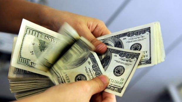 Güne artışla başlayan dolar/TL düşüşe geçti