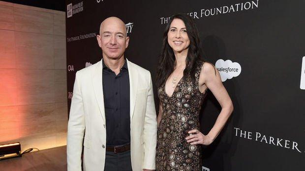Jeff Bezos 35 milyar dolara boşandı