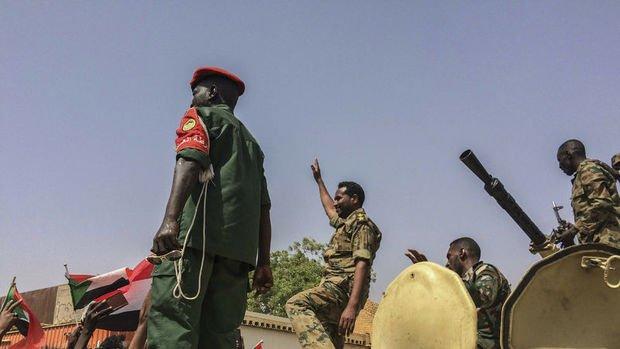Sudan'daki askeri darbe sonrası ilk açıklama