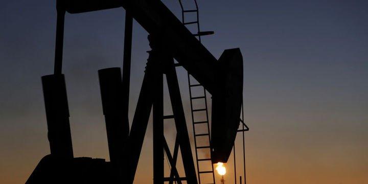 Petrol Perşembe günü ABD verisi sonrası yukarı döndü