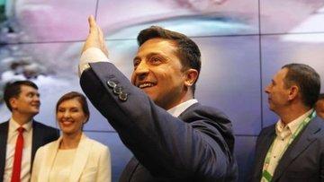 Ukrayna'da seçimin galibi Zelenskiy oldu