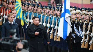 Putin ile Kim Jong Un bir araya geldi