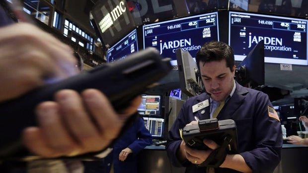 Küresel Piyasalar: Hisseler bilançolar ile çekildi, dolar istikrarını korudu