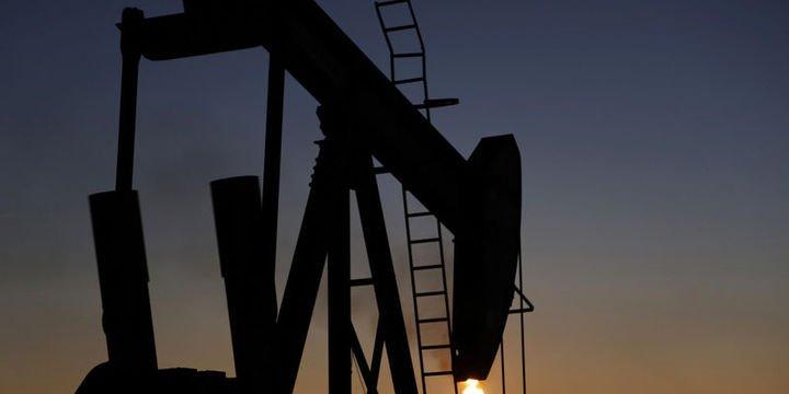 Petrol ticaret görüşmeleri ve arz riskleri arasına sıkıştı
