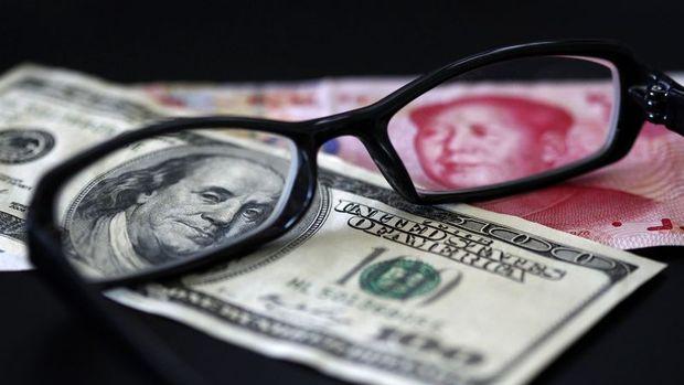 Yuan dolar karşısında bu yıl ilk kez 6.9'a geriledi