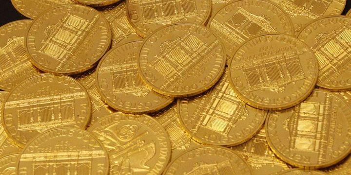 """Altın """"ticaret"""" endişeleriyle 1,300 dolara yakın seviyelerde tutundu"""