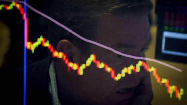 Gelişen piyasa hisseleri gelişmiş ülkeler karşısında 6 ayın düşüğünde