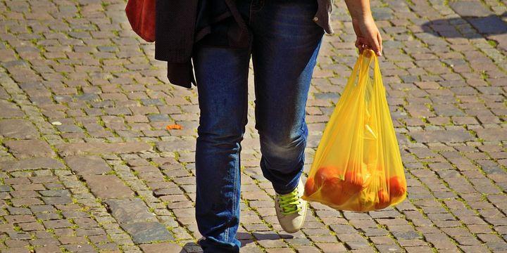 Almanya'da poşetlerin ücretli olması tüketimi azalttı