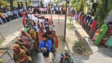Hindistan'da Başbakan Modi önde