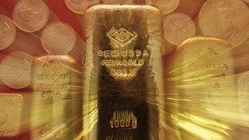 Altın 2 haftanın düşüğüne yakın seviyelerde tutundu