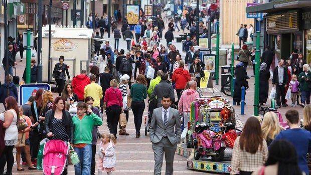 İngiltere'de enflasyon Nisan'da yüzde 2.1'e yükseldi