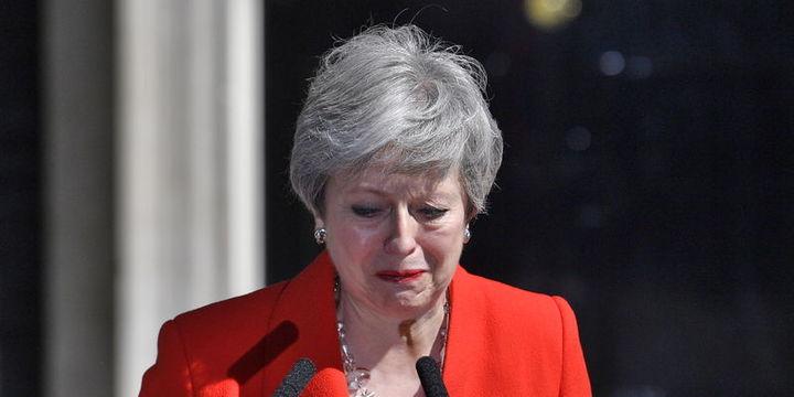 İngiltere Başbakanı May istifasını açıkladı