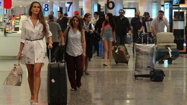 Antalya'ya bir günde hava yoluyla 76 bin 568 turist geldi