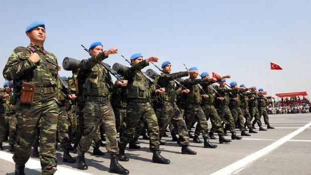 Yeni askerlik düzenlemesinin yasalaşması bayram sonrasına kaldı