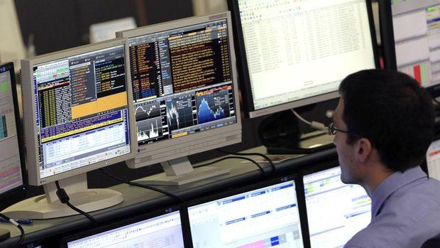 Küresel Piyasalar: Hisseler yükseldi, dolar 5 ayın zirvesi yakınında