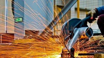 Sanayi üretimi Nisan'da % 1 düştü