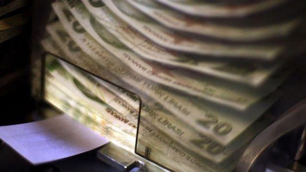 Perakende satış hacmi Nisan'da yüzde 1,8 azaldı
