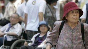 Japonya'da, uzun yaşayan vatandaşlar emeklilik sistemini ...