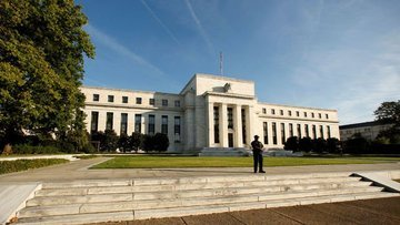 Fed 2019 için faiz indirimi sinyali verdi