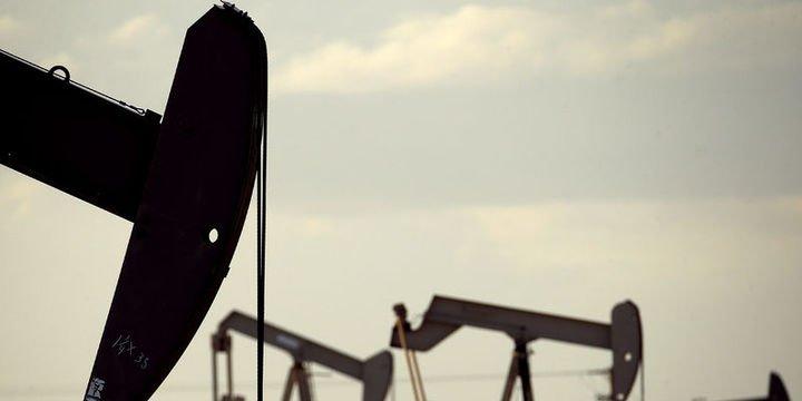 Petrol fiyatları güçlü yükselişin ardından geriledi