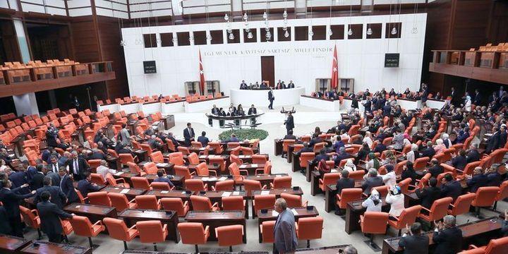 Yeni askerlik düzenlemesi Meclis