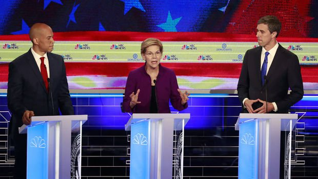 ABD'de Demokrat başkan aday adayları TV tartışmasında karşılaştı