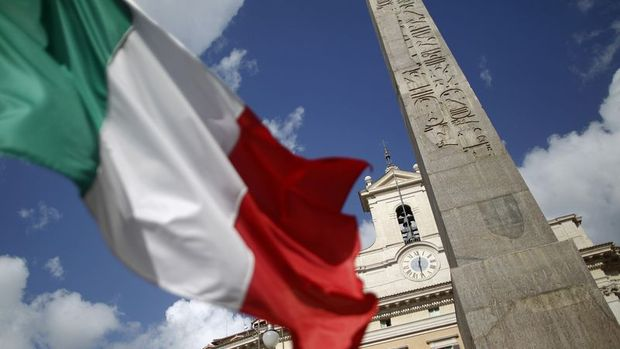 İtalya AB disiplin sürecini atlattı