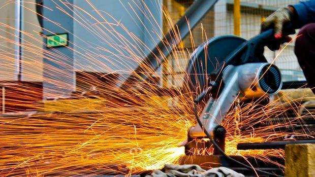 Sanayi üretimi Mayıs'ta aylık % 1.3 arttı, yıllık %  1.3 azaldı