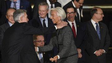 Merkez bankacılar dünya ekonomisini tek başına kurtarmakt...