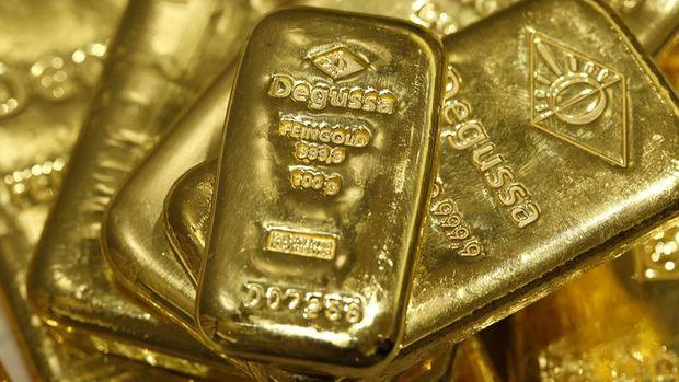 Altın güçlü ABD verileri sonrası kaybını korudu