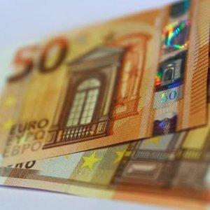 AMB RAPORU: BANKALAR KREDİ STANDARTLARINI SIKILAŞTIRDI