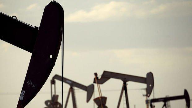 Petrol Körfez'de süren gerginlikle 56 dolar civarında kaldı