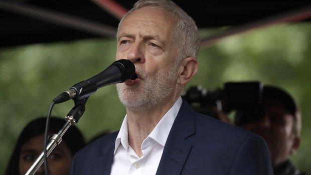 Corbyn: Beni geçici başbakan yapın, AB'den anlaşma olmadan ayrılmayı durduralım