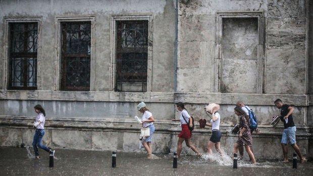 İstanbul için kuvvetli sağanak uyarısı