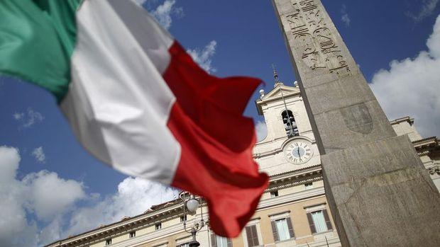 İtalya'daki hükümet krizinde gözler çarşamba gününde