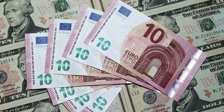 Euro dolar karşısındaki sınırlı kazancını sildi