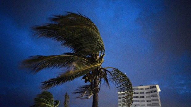 Dorian kasırgası Bahamalar'da etkili oluyor