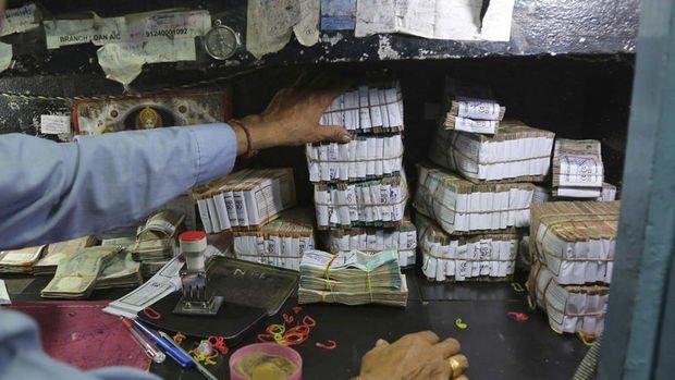 Asya paraları Hint rupisi ve Malezya ringiti öncülüğünde düştü