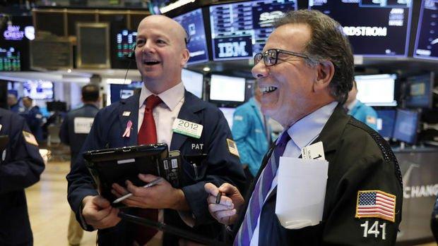 Küresel Piyasalar: Hisseler güçlü ABD verileriyle yükseldi