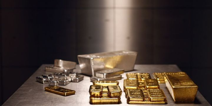 """""""Altın ve gümüş gevşek para politikaları ile rekora çıkabilir"""""""