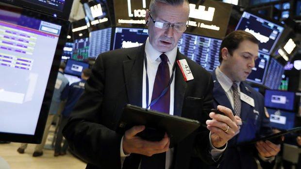 Küresel Piyasalar: Dolar yükselirken hisse senetleri karışık seyretti