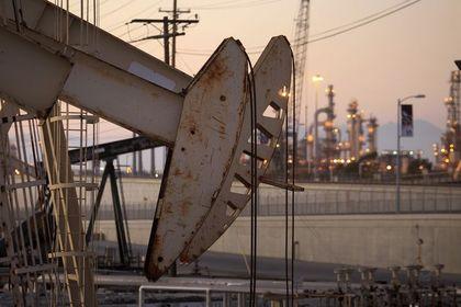Suudi Arabistan'da petrol üretimi geçici olarak...