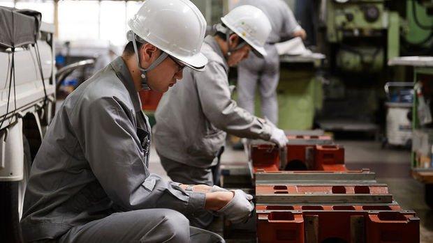 Çin'de perakende satışlar ve sanayi üretimi beklentilerin altında